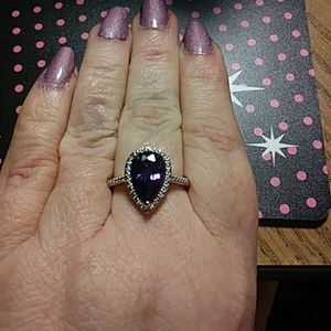 Jewelry - Sz10 purple cz teardrop ring